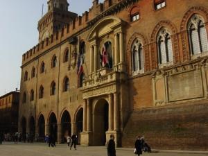 enviar-maletas-universidad-bolonia-italia
