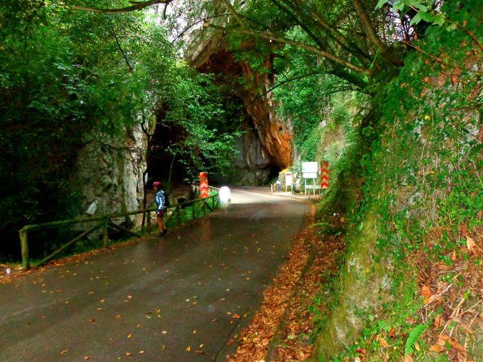 Cuevas del Agua, Asturias
