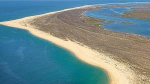 Playa-Ilha-Deserta-algarve-portugal