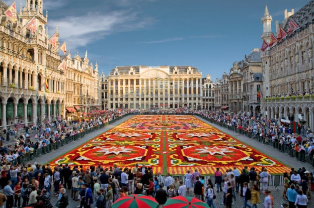 gran-place-bruselas-enviar-equipaje-maletas